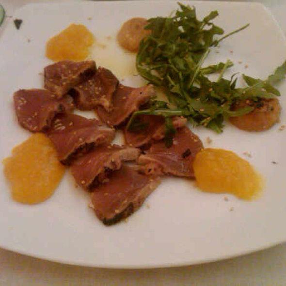 Roastbeef de atún con chutney de mango @ Bazaar