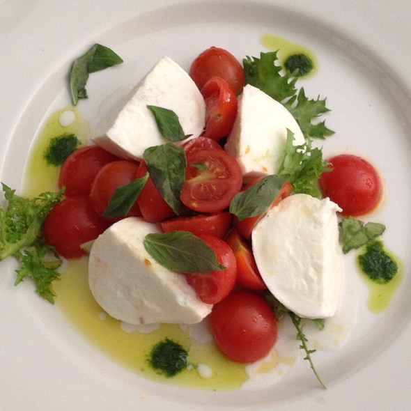 Buffalo Mozzarella With Tomato Salad And Rocket Pesto @ Vino e Libri Restaurant