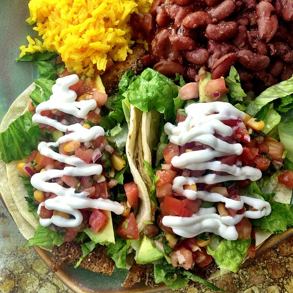fish tacos @ Lilly's Cafe Americana