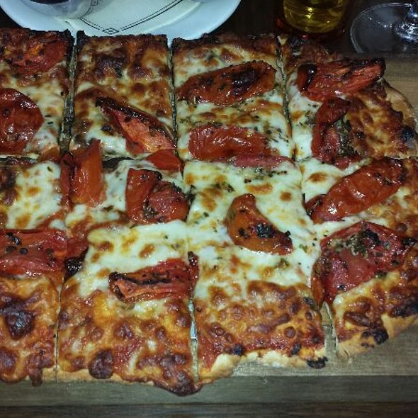 tomato pizza - The Tower Bar, West Hollywood, CA