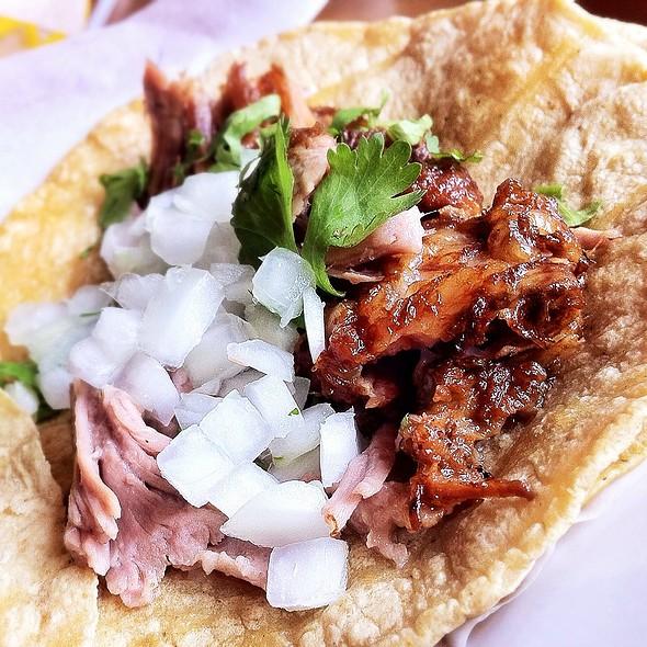 Carnitas Taco @ El Gallo Blanco