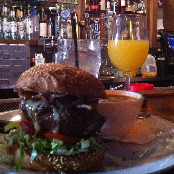 Burger @ Night Light Lounge