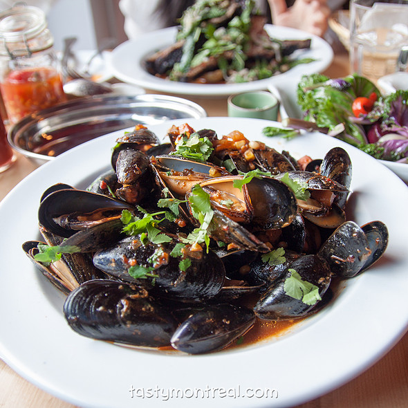 Bacon BBQ sauce mussels @ Restaurant Gus