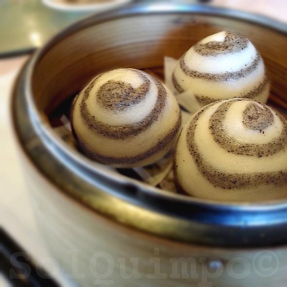 Black Sesame Buns @ Pearl Restaurant