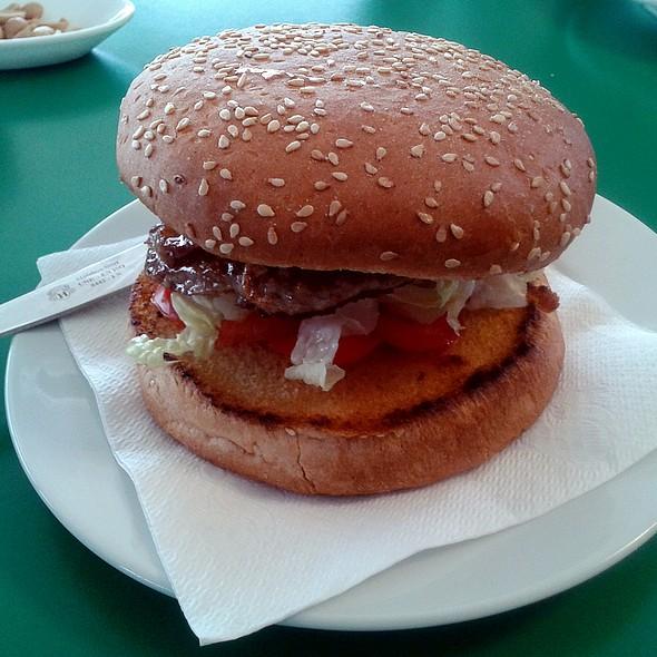 Hamburger @ Cafeteria Km 34