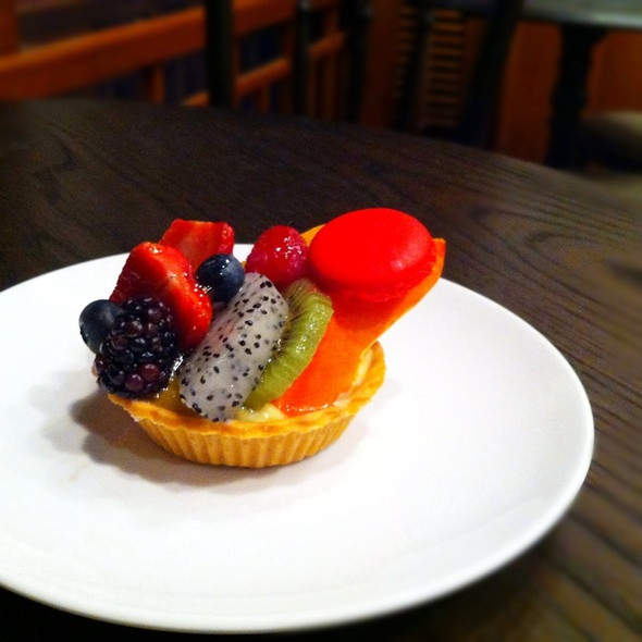 Fruit Tart @ Mocha and Muffins by Four Seasons Hotel