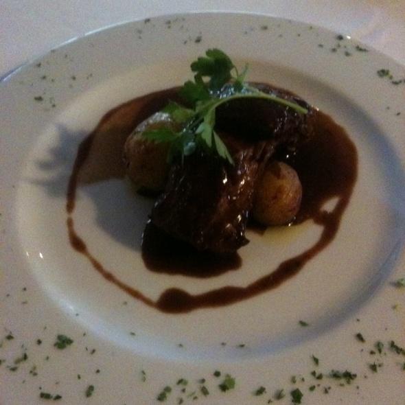 Lombelos De Porco De Criação Tradicional Com Reduçao Do Vinho Do Porto @ BOA BOCA Restaurante-bar