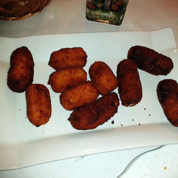Serrano ham and cabrales croquettes @ Sidrería Chamberi - Los Emilios