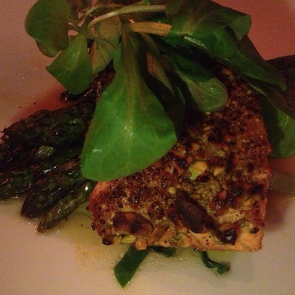 Skinny Salmon @ Abby Park