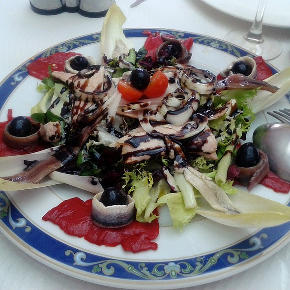 Anchovies, marinated anchovies and tuna belly salad @ Restaurante Casa Samuel