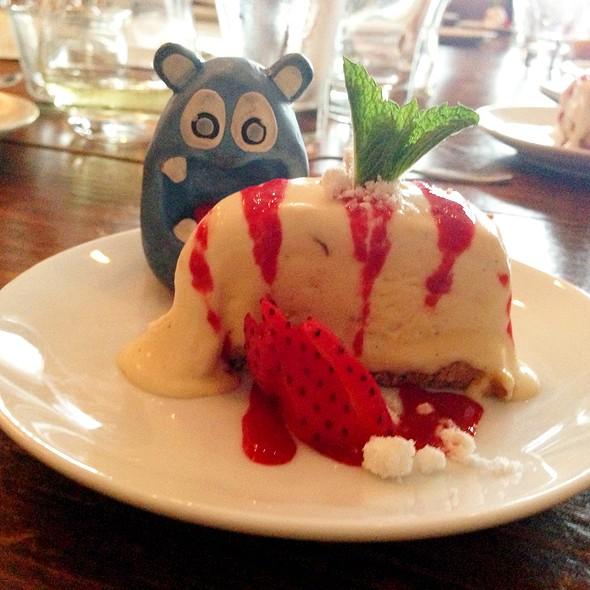 Vanilla Semifrio with Raspberry Culeé @ Smith Commons