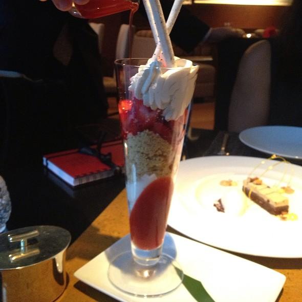 Strawberry Shortcake Sundae @ Asana