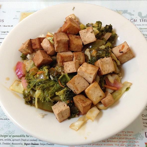 Rainbow Stir-Fry @ High Noon Cafe