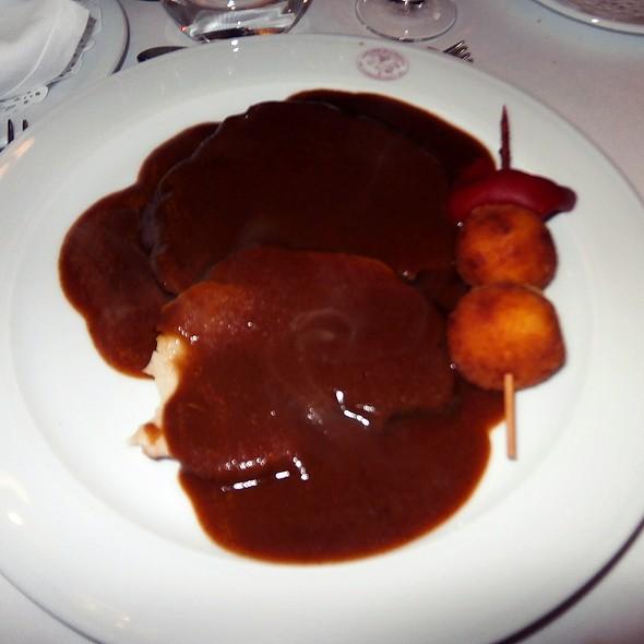 Glazed ham with hash browns @ Arcea Hotel Mirador de la Franca