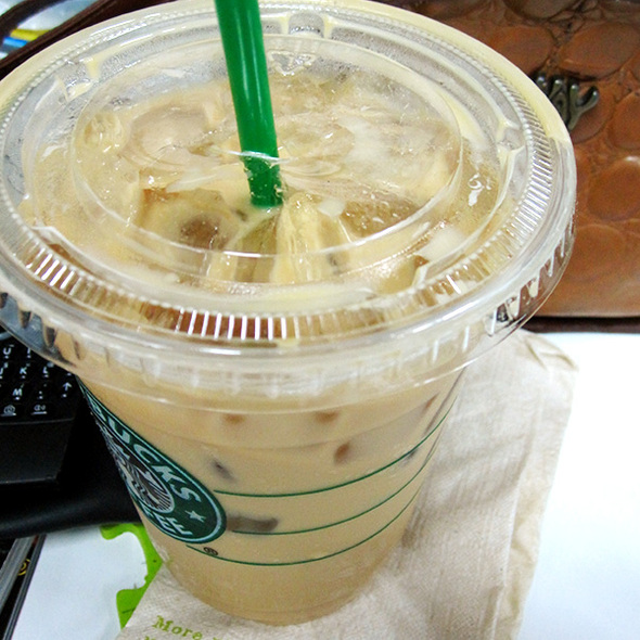 Iced Vanilla Latte @ Starbucks Coffee (The Esplanade)