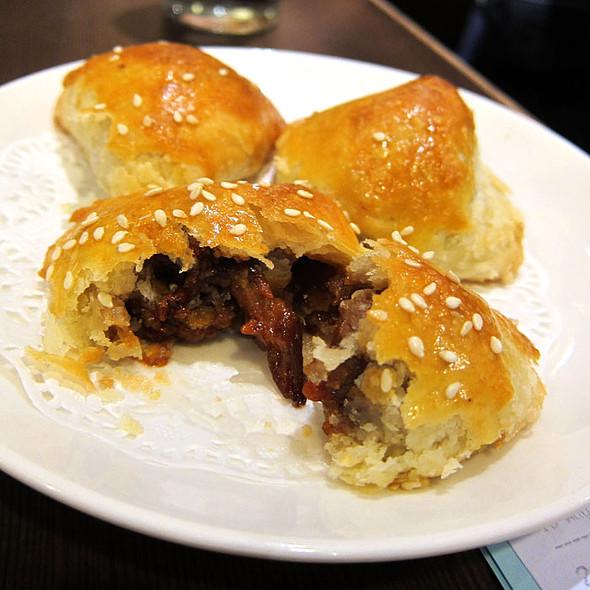 Baked Pork Bun @ Crystal Jade Ginseng Chicken & Bbq (Takashimaya)