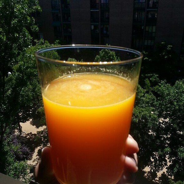 Freshly Squeezed Orange Juice @ Orilla de Madrid Río