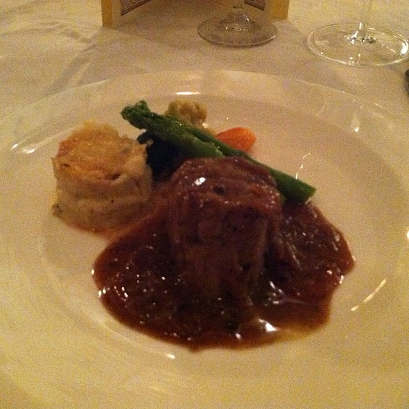 Veal Fillet Mignon With Burgundy Sauce @ Champagne Room