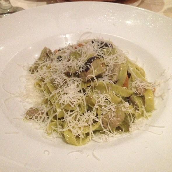 Fettuccini Alfredo with Truffle Oil - Piccolo Fiore, New York, NY