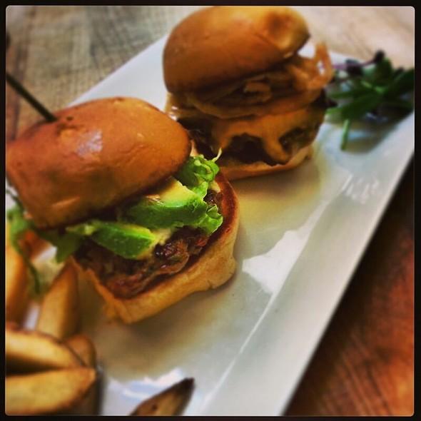 Sliders Duo - Trofi Restaurant - Doubletree by Hilton Kansas City - Overland Park, Overland Park, KS