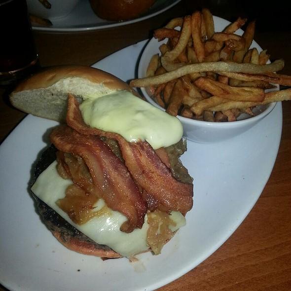 Original 5 Napkin Burger @ 5 Napkin Burger