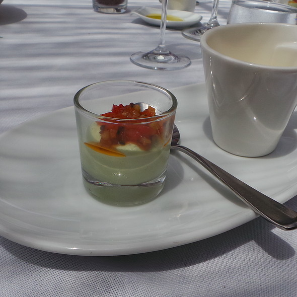 Asparagus Creme with Bell Pepper, Smoked Vegetable Soup with Quail @ Es Raco d'es Teix