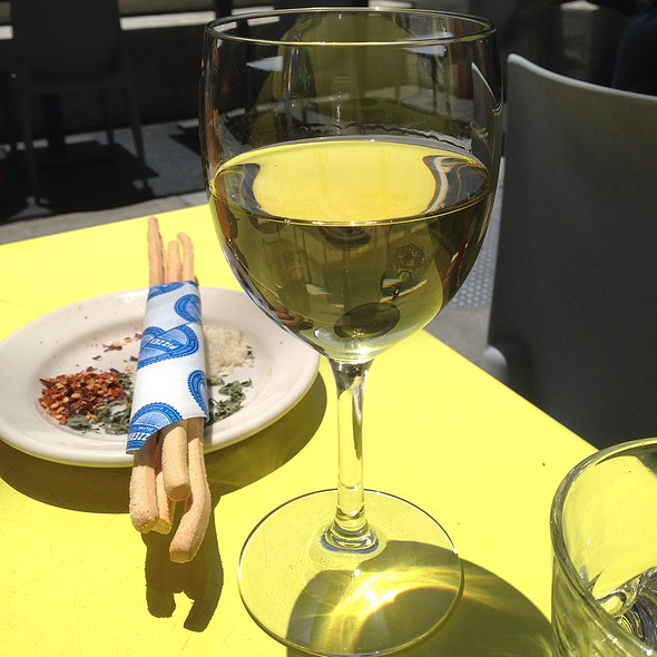 Wine @ Pizzeria Delfina