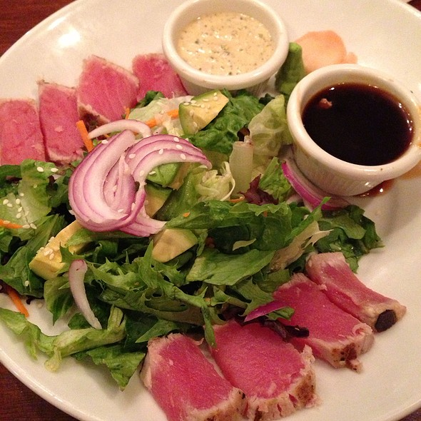 Ahi Tuna Salad - Joe's American Bar and Grill - Woburn, Woburn, MA