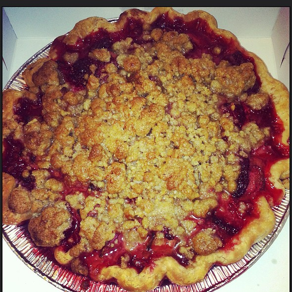 Strawberry And Rhubarb Pie @ Scratch