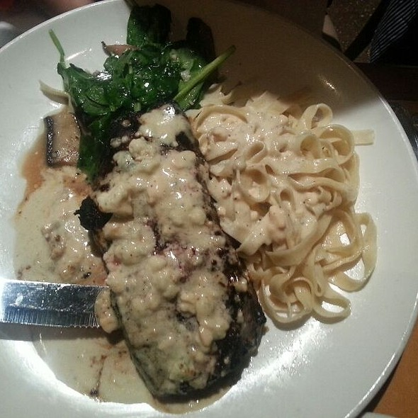 Ny Steak With Gorgonzola Sauce & 3 Sides: Spinach Gratin, Mac & Cheese And Noisette Potatoes - Noodles Italian Cafe & Sushi Bar, Naples, FL