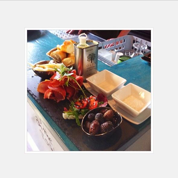 Apero-Platte Pastis @ Pastis Restaurant Grill