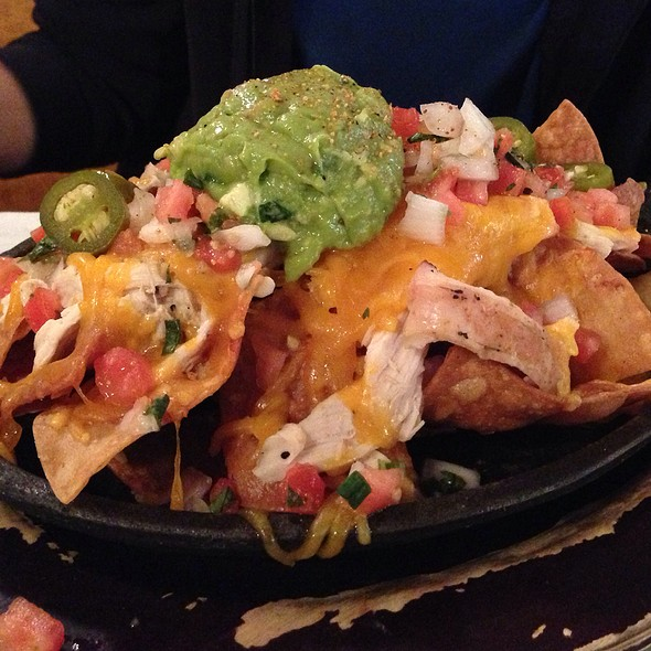 Pulled Chicken And Jalapeños Nachos With Guacamole - Old Glory Barbeque, Washington, DC