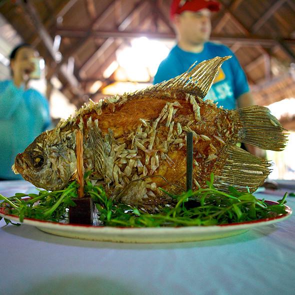 Crispy Fried Elephant Ear Fish @ Mỹ Thọ