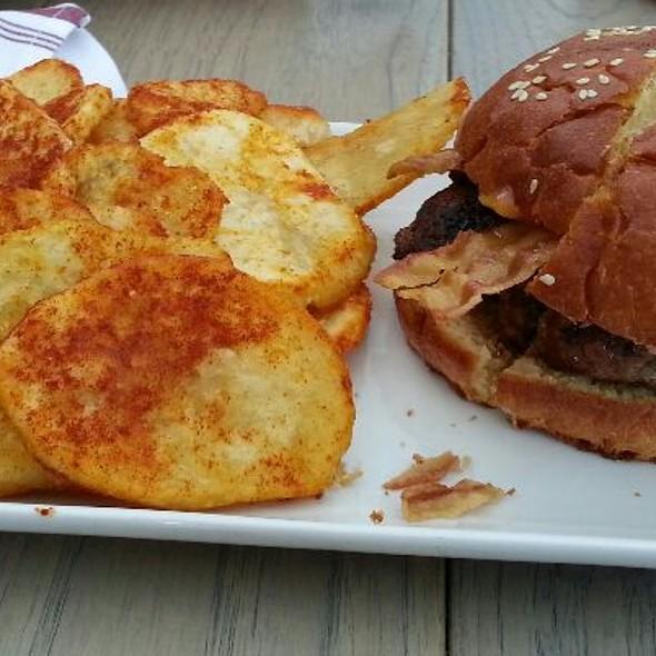 The Burger @ Seven Lamps