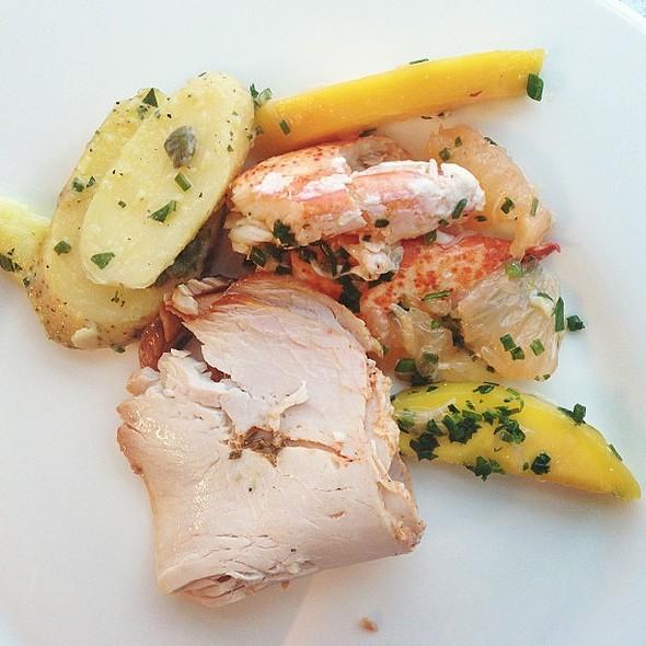 mango. lobster. turkey. potatoes. @ Delta SkyClub & SkyDeck