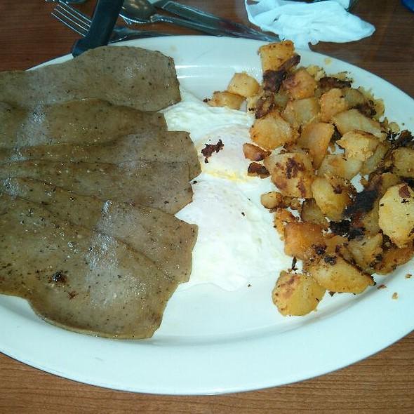 Athena 39 s family restaurant menu tonawanda ny foodspotting for Athena mediterranean cuisine ny