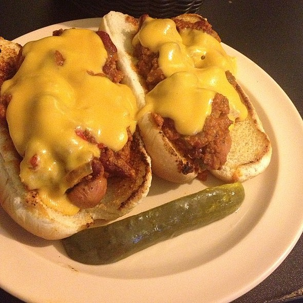 Chili Dogs @ Foodswings