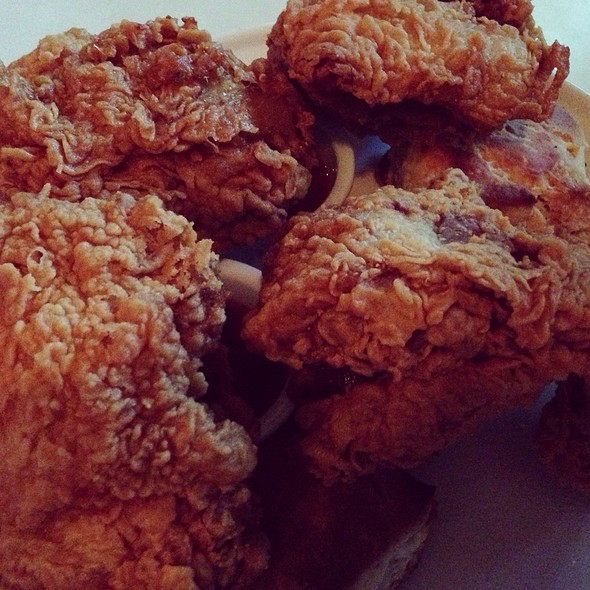 Fried Chicken and Biscuits @ The Commodore