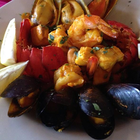 Zarzuela De Mariscos @ Antigua Latin Restaurant