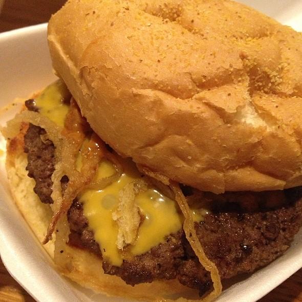 Double Cheeseburger @ Smoke A Burger