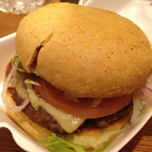 Cheeseburger @ Smoke A Burger