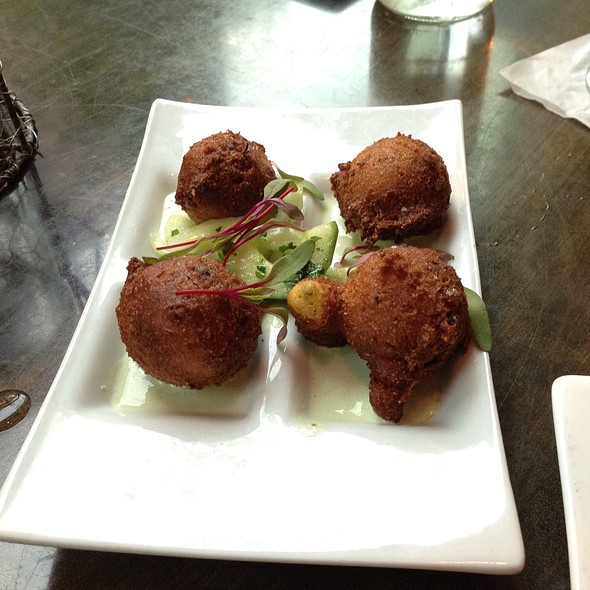 Hushpuppies @ Lincoln