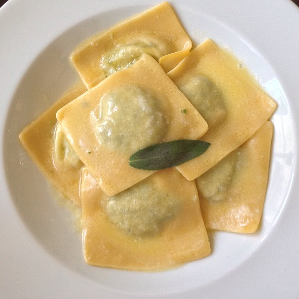 Spinach Filled Ravioli With Sage