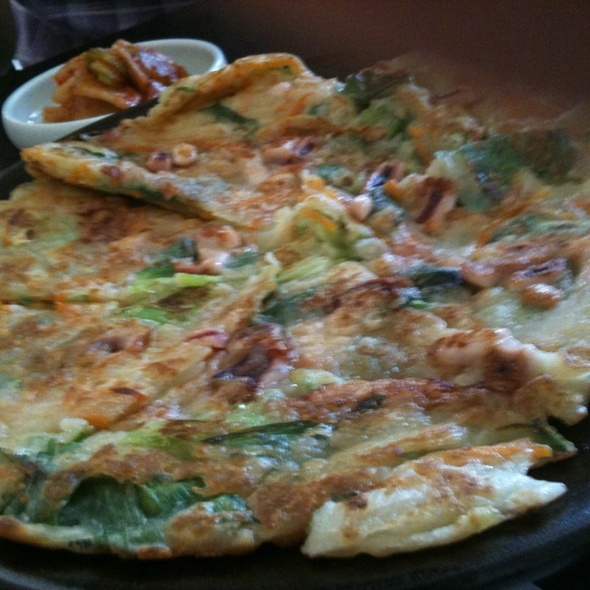 Korean Seafood Pizza @ No Dally Restaurant