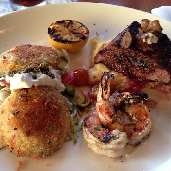 Crab Cakes - Horatio's, San Leandro, CA