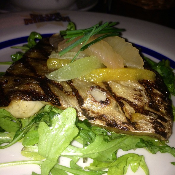 Sea Bass, Arugula, Chives & Citrus Vinaigrette