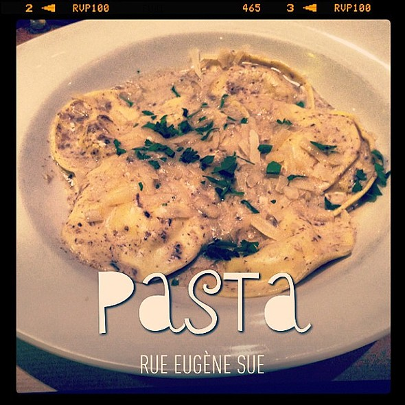 Ravioli fromage et truffes... :-) ènesue @ Trattoria Pulcinella