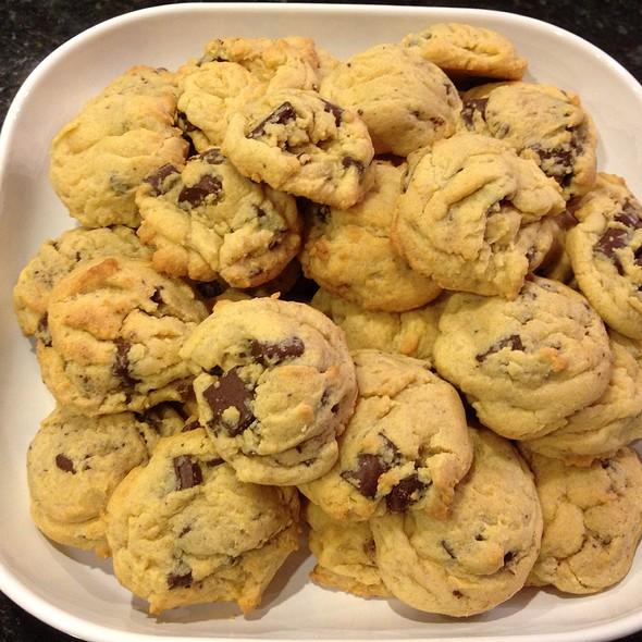 Semi-Sweet Chocolate Chip Vanilla Pudding Cookies @ Nordgren's