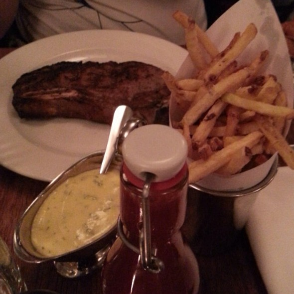 Medium Rare Sirloin Steak, Beef Dripping Chips, Homemade Ketchup And Bernaise