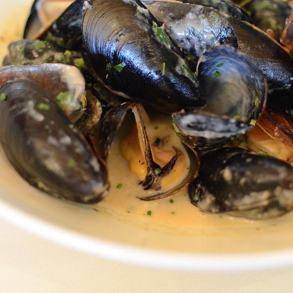 Mussels - Ravine Vineyard Winery Restaurant, Niagara-on-the-Lake, ON